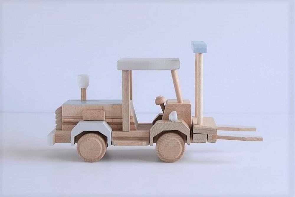 Drewniany wózek widłowy