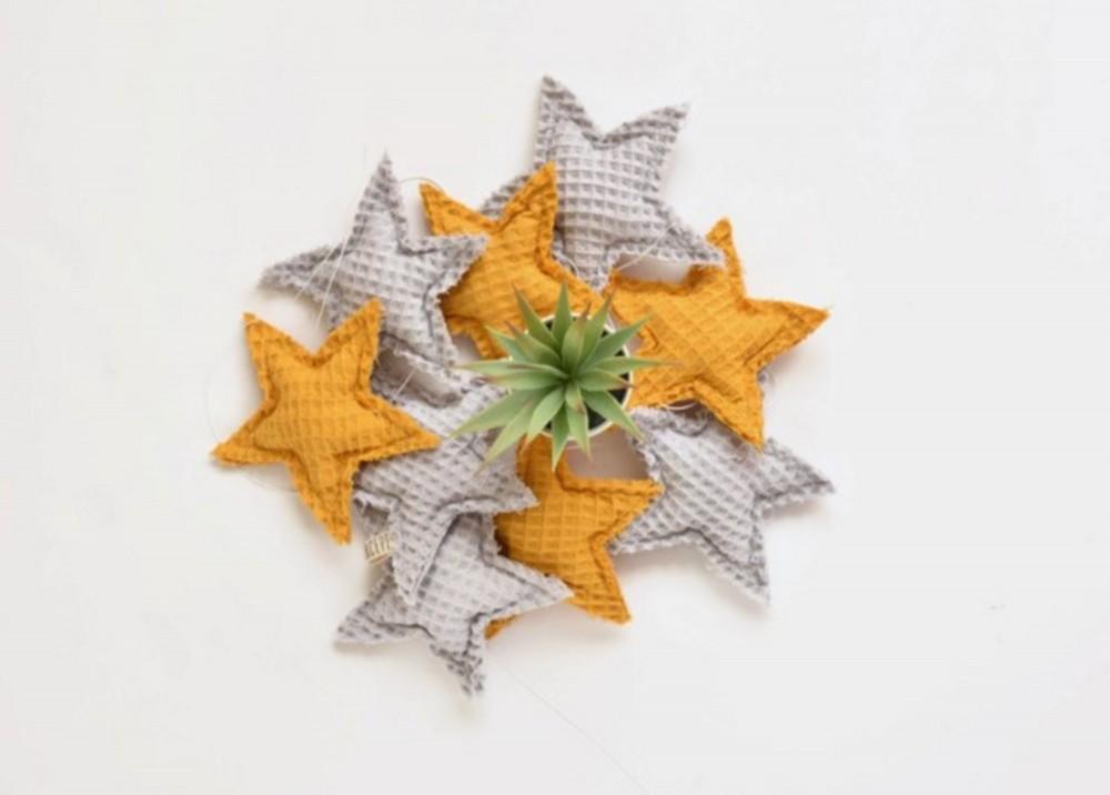 Girlanda gwiazdki - musztarda z szarym