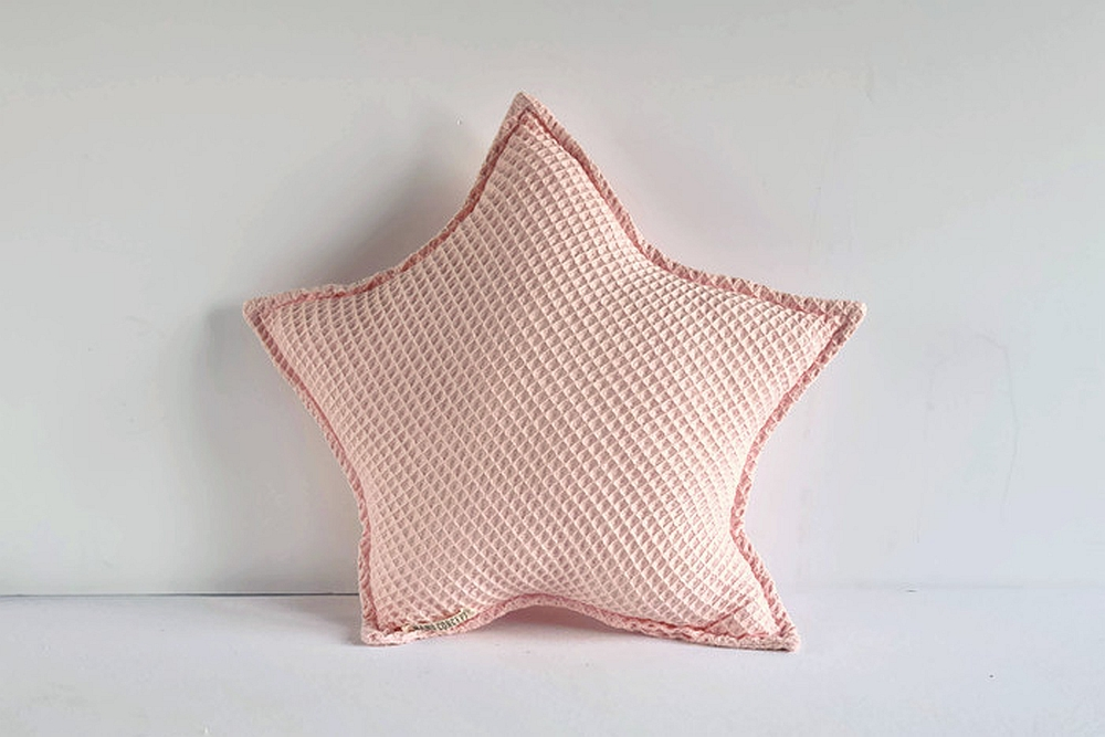 Poduszka gwiazdka - jasnoróżowy wafelek