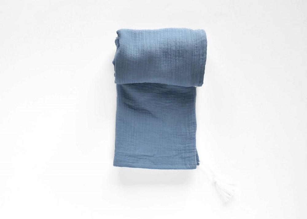 Otulacz muślinowy z chwostem - niebieski