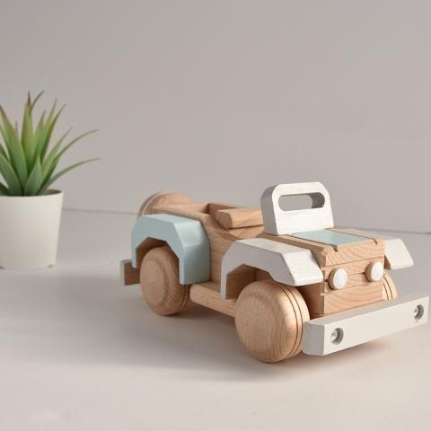 Drewniany samochód - Jeep Wrangler