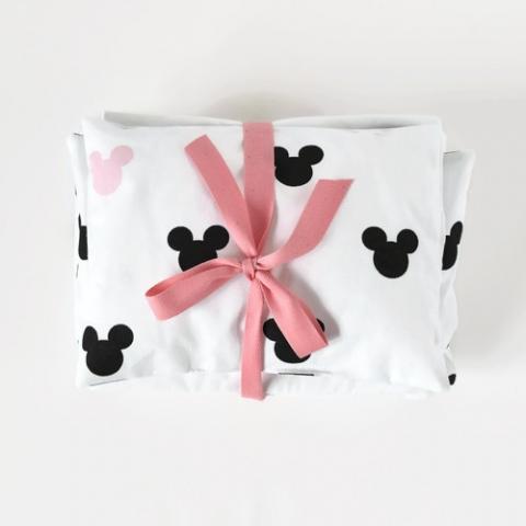 Zestaw pościeli do łóżeczka / kołyski dla lalek - biały z Mickey