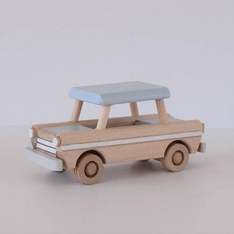 Drewniany samochód - trabant